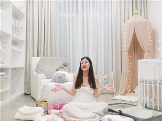 Đông Nhi hé lộ phòng sơ sinh lộng lẫy dành cho tiểu công chúa: Lại một 'em bé ngậm thìa vàng' của showbiz Việt