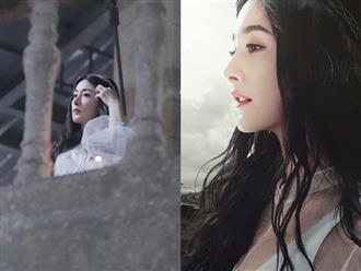 Dương Mịch đẹp như tiên nữ, diện váy trắng đứng trên lầu cao khiến fan gào thét: Lại nhảy Tru Tiên Đài à?