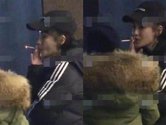 Fan bắt gặp Angela Baby vừa đi vừa phì phèo thuốc lá, cuộc hôn nhân với Huỳnh Hiểu Minh đang rạn nứt?