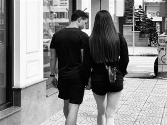 Gần ngày 'vỡ chum', Hà Hồ khoe ảnh hẹn hò Kim Lý cực tình tứ nhưng dân mạng chỉ chú ý đến vóc dáng mẹ bầu