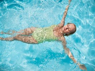 """Hè đến nhớ chú ý những điều này khi đi bơi để làn da không """"đen nhẻm"""", xuống sắc"""