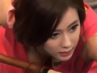 Hot girl bida diện đồ 'nửa kín nửa hở' khoe vòng 1 bức thở, mỗi cử động đều khiến đối thủ 'chóng mặt'