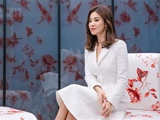 Khoe ảnh đón Tết độc thân đầu tiên bên nhân vật đặc biệt này, Song Hye Kyo liền lọt top Naver