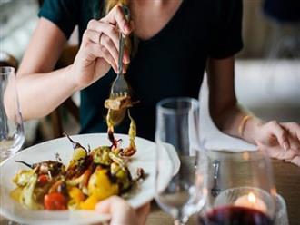 Khung giờ lý tưởng để ăn mà không lo béo