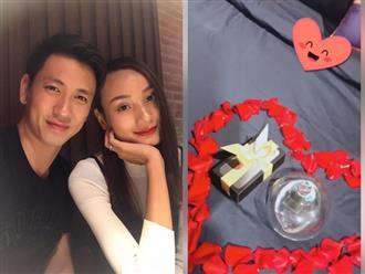 Kỷ niệm 5 năm ngày cưới, ông xã Lê Thúy tặng vợ nhẫn kim cương 'khủng' lại còn đích thân làm điều đặc biệt này