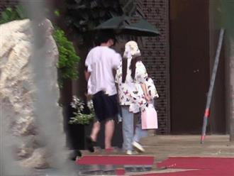 Lý Tiểu Lộ bị bắt gặp tay trong tay cùng trai lạ giữa tin đồn níu kéo Giả Nãi Lượng