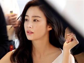 Mang bầu ở tuổi 39, Kim Tae Hee vẫn xinh đẹp và chăm chỉ kiếm tiền