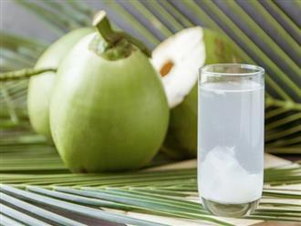 Mùa hè nắng nóng để làn da được mịn như em bé đơn giản chỉ với một trái nước dừa 13 nghìn đồng