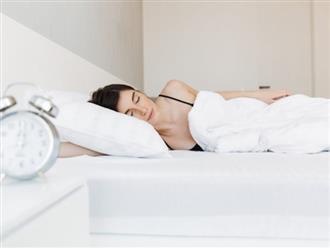 Những thói quen khi ngủ khiến làn da của bạn trở nên xấu xí