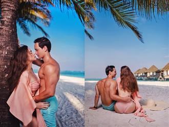 Rủ nhau đi biển làm vài tấm ảnh 'sương sương', Hà Hồ và Kim Lý khiến fan 'mất máu' vì thần thái như chụp tạp chí