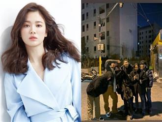 Giữa tin đồn sắp tái hôn, Song Hye Kyo bất ngờ lộ ảnh thân mật bên người đàn ông này