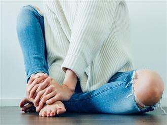 Thấy móng chân tím đen như quả mận là dấu hiệu cảnh báo sức khỏe mà bạn không nên xem thường