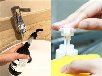 """Thói quen """"dùng cố"""" chai dầu gội, nước rửa bát, sữa tắm có thể sinh ra vi khuẩn gây hại cho cả gia đình"""