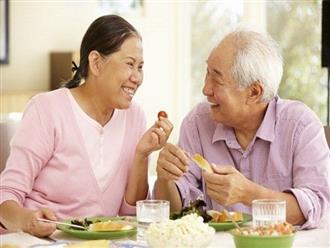 Thực phẩm giúp bảo vệ sức khỏe người cao tuổi trong mùa dịch