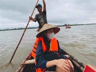 Thủy Tiên kể suýt lật thuyền khi đi cứu trợ, thót tim nhớ lại khoảnh khắc sinh tử: 'Chỉ còn 1 milimet nước nữa là không kịp rồi'