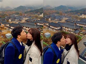 Trấn Thành đăng ảnh khóa môi bà xã cực tình cảm ở Hàn Quốc: 3 năm kết hôn vẫn mặn nồng như thuở mới yêu