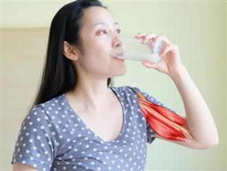 Vì sao bạn nên uống một cốc sữa trước khi đi ngủ?