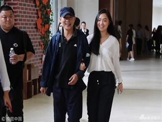 Xuất hiện bên con gái, Lý Liên Kiệt khiến fan lo lắng vì trông gầy gò