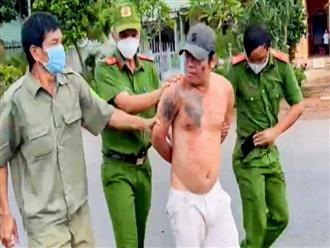 Người đàn ông xăm mình đấm thành viên chốt kiểm dịch COVID-19 bị khởi tố