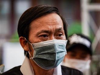 Hoài Linh vừa nhận tin buồn cực sốc khiến khán giả bàng hoàng, dân mạng xót xa xem lại khoảnh khắc 'hiếm' danh hài bên bậc thân mẫu ruột
