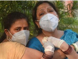 Ấn Độ: Người mẹ 61 tuổi nhảy từ tầng 9 xuống đất tử vong vì không thể chấp nhận sự thật con trai đã qua đời vì COVID-19