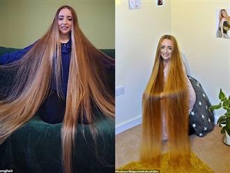 5 năm không cắt tóc, cô gái gây choáng khi thả tung mái tóc dài ấn tượng, các anh mê mẩn xin được chạm vào dù chỉ một lần