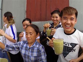 """Bà Tân tung video làm cốc rau má đậu xanh siêu to khổng lồ, nhưng thứ mà dân mạng chú ý nhất lại là một câu """"lỡ lời"""" của Hưng Vlog"""