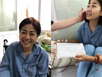 Bạn thân chạnh lòng nhìn cảnh Mai Phương bị ép chụp ảnh với phong bì để chứng minh tiền đã trao tận tay