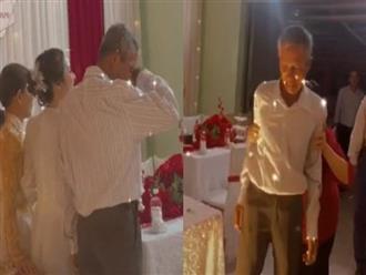 Con gái theo chồng, cha già khóc nức nở không dám lại gần chụp ảnh, nhìn cảnh cuối mà thương hết sức