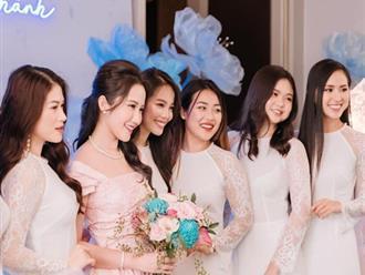 """Bức ảnh đủ mặt hội chị em bạn dì nhà gái trong đám hỏi Phan Thành - Primmy Trương, đố ai đọ lại team """"so đẹp"""" này"""