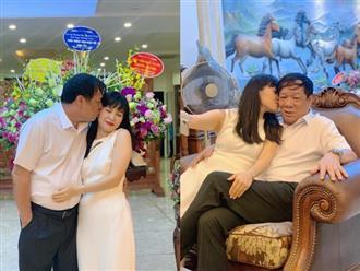 Ca sĩ Trang Nhung khoe được chồng đại gia hơn 13 tuổi cưng chiều, ôm hôn thắm thiết