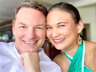 Chồng cũ Hồng Nhung và vợ đại gia kỷ niệm 24 năm ngày hẹn hò đầu tiên bằng bức ảnh 'tình bể bình'