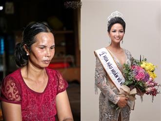 """Clip độc quyền: Mẹ H'Hen Niê rơi nước mắt kể về thời gian con gái đi làm thuê, mặc đồ """"Si"""" để có tiền đi học!"""