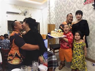 Công khai 'khóa môi' vợ trước mặt 2 con, Hiếu Hiền gửi đến bà xã lời cảm ơn ngọt ngào