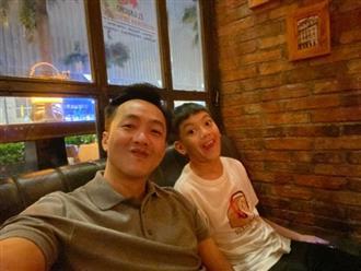 Cường Đô la khoe ảnh đi chơi cùng bé Subeo, diện mạo ra dáng anh cả của cậu bé gây xuýt xoa