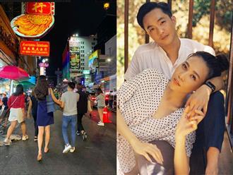 Lo nắm tay Cường Đô la tung tăng trên phố, Đàm Thu Trang 'mất dép' phải đi chân đất giữa đường