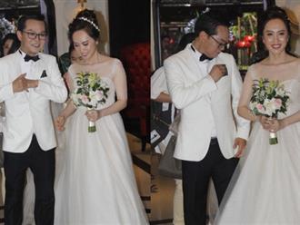 Dàn sao phía Bắc nô nức đến dự đám cưới hoành tráng của NSND Trung Hiếu và vợ trẻ kém gần 2 giáp