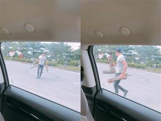 Đang chạy xe, chồng Ngọc Lan dừng lại xuống đường để dọn 'thứ nguy hiểm' này
