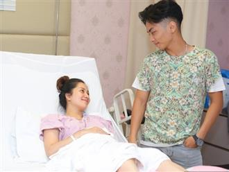 Dù đau trào nước mắt khi sinh con, Khánh Thi vẫn cười mãn nguyện vì Phan Hiển làm điều này