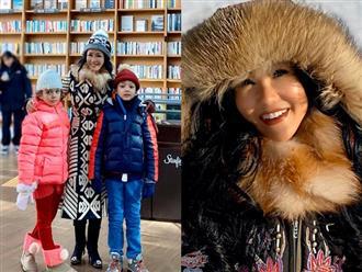 Hậu ly hôn, Hồng Nhung khoe nhan sắc trẻ trung ở tuổi 50 khi đi chơi cùng 2 con song sinh