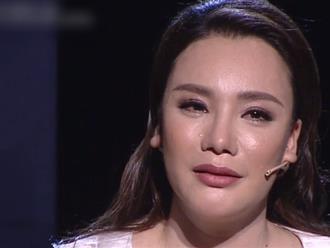 Hồ Quỳnh Hương ám ảnh khi mặt bị hỏng do kem trộn: Mắt không mở được, mụn đỏ nổi chi chít nhưng ai cũng bảo là dao kéo quá đà!
