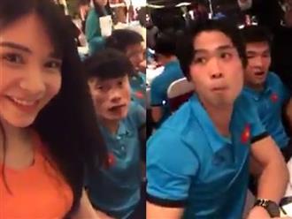 Hot girl Thanh Bi quấy rầy Tiến Dũng, Công Phượng ăn khuya sau hành trình gian khổ