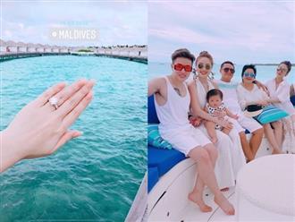 Khoe nhẫn kim cương khi đi du lịch ở Maldives, Bảo Thy khiến dân mạng xôn xao với nghi án vừa được cầu hôn