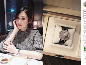 Kỉ niệm 1 tháng ngày cưới, Á hậu Tú Anh được ông xã tặng đồng hồ đính kim cương đắt giá