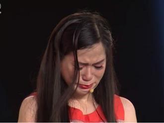 Lâm Vỹ Dạ 'khóc hết nước mắt' khi vận xui liên tục rơi xuống gia đình mình