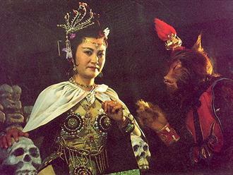 ly-do-bach-cot-tinh-oan-han-doan-phim-tay-du-ky-1986-hang-chuc-nam