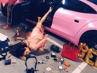 Mới khoe siêu xe sang chảnh, Phạm Hương đã bị ngã văng xuống sàn từ chính xế hộp tiền tỷ của mình