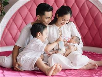 Sau 2 ngày rời khỏi phòng cách ly, gương mặt con gái Khánh Thi - Phan Hiển lần đầu được hé lộ