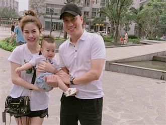 Sau nửa năm ly hôn, Việt Anh và vợ cũ 'tái hợp', cùng đưa con trai đi chơi?