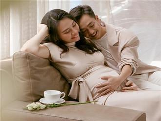 'Tan chảy' với khoảnh khắc Cường Đô la âu yếm xoa bụng bầu của bà xã Đàm Thu Trang